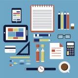 Büro- und Geschäftsarbeitselemente Stockfotos