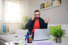 Büro zu Hause bearbeiten Stockfotos