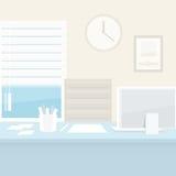 Büroarbeitsplatz mit Computer Stockbild