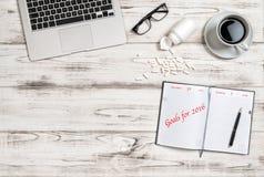 Büroarbeitsplatzkaffee-Medizinkapseln Ziele 2016 Lizenzfreies Stockfoto
