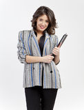 Bürofrau mit Klemmbrett Stockfotos