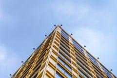 Bürogebäude-Himmel Lizenzfreies Stockfoto