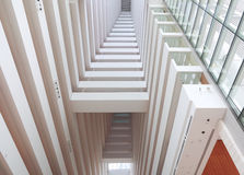 Bürogebäude-Innenraum Stockfotos