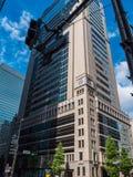 Bürogebäude und moderne Architektur in Tokyo im Stadtzentrum gelegen - TOKYO, JAPAN - 19. Juni 2018 lizenzfreies stockbild