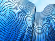 Bürohaus auf einem Hintergrund des blauen Himmels Stockbilder