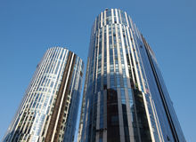 Bürohaus-Fassade Stockbilder