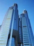Bürohaus-Fassade Lizenzfreies Stockfoto