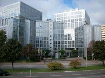 Bürohaus im Geschäftsgebiet Stockfotos