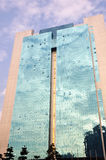 Bürohaus mit Glaszwischenwand Lizenzfreies Stockfoto