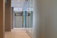 Bürokorridor Lizenzfreies Stockbild