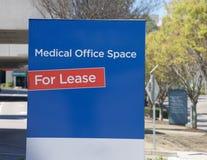 Büroräume des Ärztlichen Diensts für Miete Stockbilder