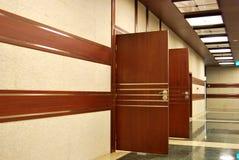 Bürotüren lizenzfreie stockbilder