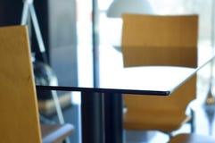 Bürotabelle und -stühle Lizenzfreies Stockfoto