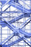 Bürotreppe im Blau Stockbild
