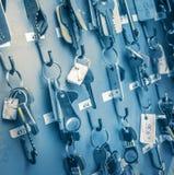 Bürozimmerschlüssel mit Tags Lizenzfreie Stockfotografie