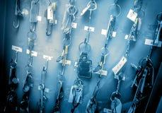 Bürozimmerschlüssel mit Tags Lizenzfreies Stockfoto