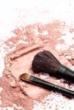 Bürste auf rosa Pulver lizenzfreie stockbilder