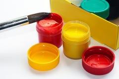 Bürste, Farbe, künstlerisch Werkzeuge für kreative Arbeit stockfotografie