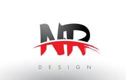 Bürste Logo Letters NR N R mit roter und schwarzer Swoosh-Bürsten-Front Lizenzfreie Stockbilder