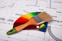 Bürste und Proben von Farbenfarben Lizenzfreie Stockfotos