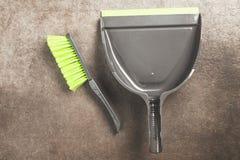 Bürste und Schaufel stockbilder