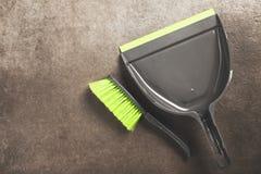 Bürste und Schaufel lizenzfreies stockfoto