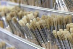 Bürsten für das Malen mit Aquarell, Öl, Gouache, acrylsauer Stockfoto