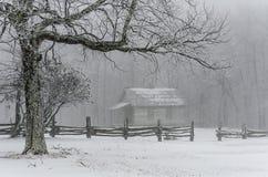 Bürsten Sie Gebirgsschulhaus, Winter, Nationalpark Cumberlands Gap stockbilder