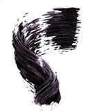 Bürsten Sie strok des schwarzen Schattens der Wimperntusche auf Weiß Lizenzfreie Stockfotos