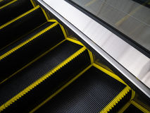 Bürstenborsten der Rolltreppe für Gefahrenunfallkonzept Lizenzfreie Stockfotografie
