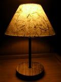 Büttenpapiernachtlampe stockbild