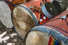 Bębeny używać w Brazylijskim ludowym festiwalu na cześć świętego George Obraz Royalty Free