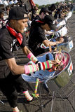 bębeny zaludniają bawić się stalowych potomstwa Zdjęcie Royalty Free