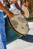 Bębni graczów w Brazylijskim ludowym festiwalu na cześć świętego George Zdjęcie Stock