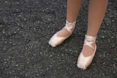 Będący ubranym out Baletniczy buty 2 zdjęcia royalty free