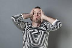 Błędu pojęcie dla uśmiechniętego wieka średniego mężczyzna Obraz Stock