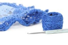 błękit balowy crochet odizolowywał pieluchy nić Obrazy Stock