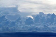 Błękit chmura przy wieczór fotografia stock