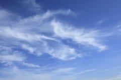 błękit chmurnieje niebo Obrazy Royalty Free