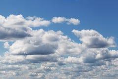 błękit chmurnieje niebo Zdjęcia Royalty Free