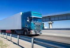 Błękit ciężarówka Obrazy Royalty Free