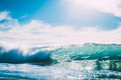 Błękit fala w oceanie Szkło fala i słońca światło Obrazy Stock