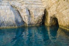 Błękit jamy zamknięte w górę Zakynthos w obrazy stock