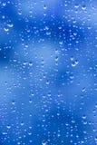 błękit kropli deszcz Obrazy Royalty Free