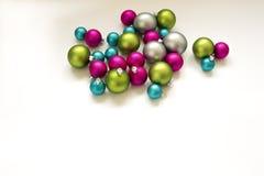 Błękit menchii zieleni srebra żarówek bożych narodzeń Bożenarodzeniowa dekoracja Obraz Stock