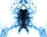 Błękit na białym energetycznym abstrakcjonistycznym płomienia tle Zdjęcie Royalty Free