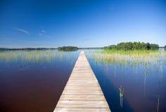 błękit niebo spokojny jeziorny Fotografia Royalty Free
