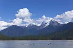 błękit obłoczny jeziorny halny nieba Tibet biel Obrazy Royalty Free