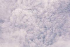 błękit obłoczny nieba biel obraz stock