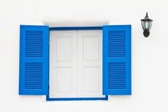 błękit okno domowy lampowy biały Fotografia Royalty Free